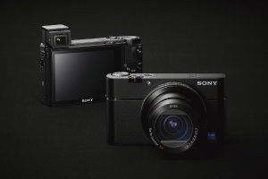 $998Sony Cyber-shot DSC-RX100 V Digital Camera + $100 GC