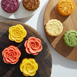 10% Off + Free Gift When You Pre-order Moon Cakes @ Yamibuy