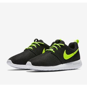 Nike Roshe One (3.5y-7y) Big Kids' Shoe