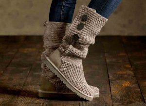 UGG Australia Classic Cardy Genuine Sheepskin Lined Boot