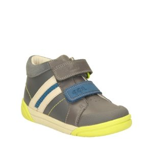 Extra 25% Off Select Fall Style Kids Shoes Sale @ Clarks