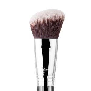 F84 - Angled Kabuki™ Brush | Sigma Beauty