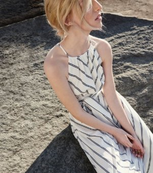 Extra 40% Off Dresses @ Club Monaco