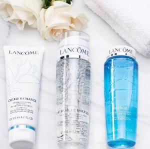 5 Deluxe Samples With Over $49 Purchase @ Lancôme