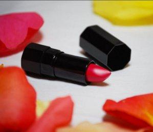 Up to Free 26-pcs GWP Serge Lutens Fàrd a Lèvres Lipstick @ Barneys New York