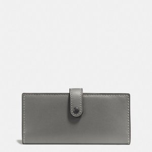 COACH: Slim Trifold Wallet In Glovetanned Leather