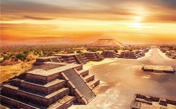 墨西哥的帕伦格的玛雅金字塔