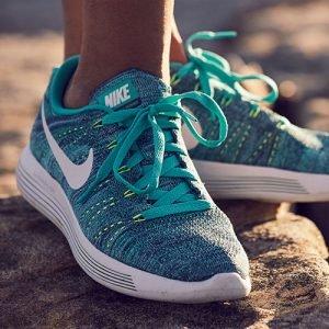 Women's Nike LunarEpic Low Flyknit Running Shoes