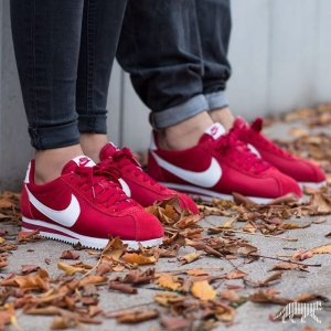 Extra 25% Off Nike Women's Sneakers On Sale @ Nike Store