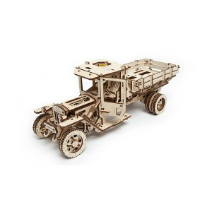 3D Self Propelled Model UGM 11 Truck - ApolloBox