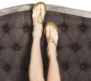 $70.5(Org. $235) Stuart Weitzman Trifecta Metallic Jelly Thong Sandals Sale @ Saks Fifth Avenue