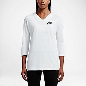 Nike Sportswear Women's 3/4 Sleeve Shirt.
