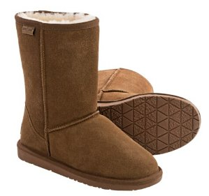 Minnetonka Callahan Short Boots Sheepskin Lined