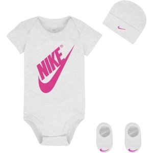$5.95Nike Newborn Girls' Big Nike 3 Piece Set