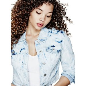 Alanza Cropped Denim Jacket | GbyGuess.com