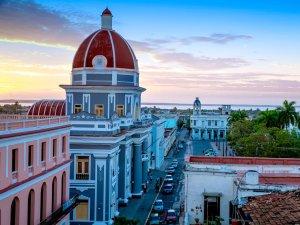 每日旅游新鲜事美国航空缩减古巴航线载客量