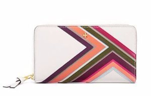 Up 40% Off Tory Burch Wallet Sale @ Tory Burch