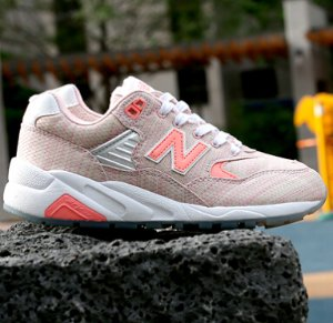 New Balance WRT580 Women's Shoe