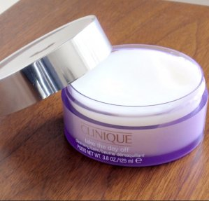 Free 7-pc Gift ($70 Value)Clinique Take The Day Off Cleansing Balm @ Bon-Ton