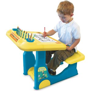 $17.99 Minions Sit & Play Creative Art Desk