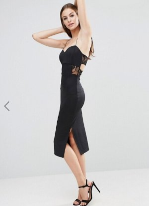 Up to 70% Off + Extra 10% OffFinal Clearance Dresses @ ASOS