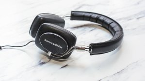 Bowers & Wilkins P5 Recertified Headphones, Ivory