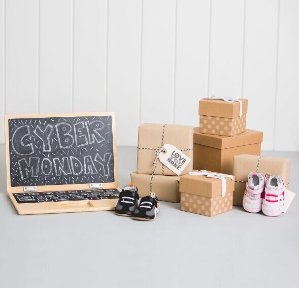 30% OffCyber Monday Baby Shoes & Socks Sale @ Robeez