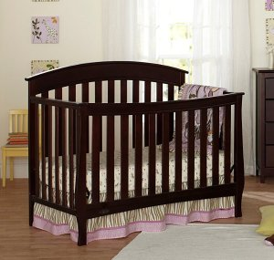 Graco Suri 4-in-1 Convertible Fixed-Side Crib