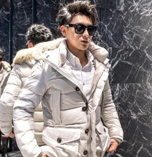 Last Day! Earn Up to a $700 Gift Card with Moncler Women and Men Clothes Purchase @ Saks Fifth Avenue
