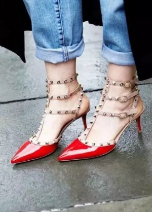 Extra 35% Off Valentino Shoes On Sale @ Neiman Marcus