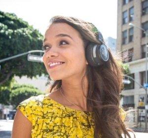 $79.00JBL S400BT Jet Premium On-ear Bluetooth® Stereo Headphone