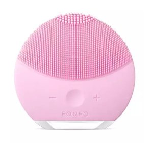 $50 Off $200 With Foreo Purchase @ Neiman Marcus