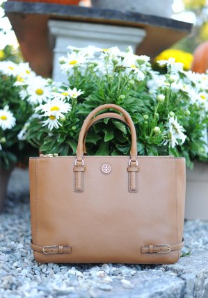 Up to 40% OffSelect Tory Burch Bags, Shoes and more @ shopbop.com