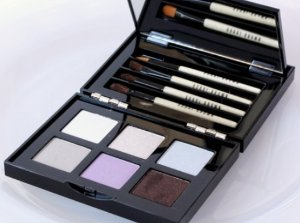 £46Bobbi Brown Bobbi's Eye Wardrobe Eye Shadow Palette