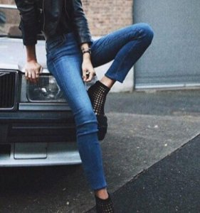 Up to 63% Off +Extra 20% Off AG, JBrand and 7 For All Mankind Women Jeans Sale @ Bloomingdales