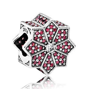 Poinsettia Limited Edition Holiday Exclusive Charm | PANDORA