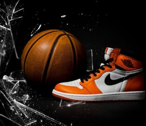 $160 Air Jordan 1 Reverse Shattered Backboard @ Nike Store