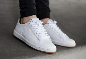Extra 25% Off Nike Tennis Classic Ultra Leather Shoes Sale @ Nike.com