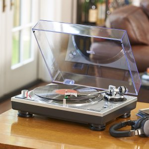 $89Audio Technica AT-LP60BK Fully Automatic Belt-Drive Stereo Turntable