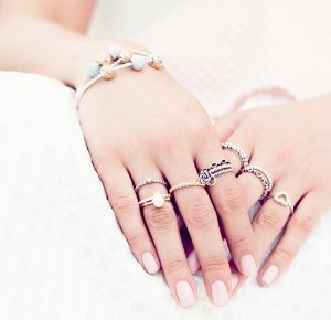 Up to 60% Off PANDORA rings @ Hautelook