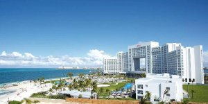 From $669All-Inclusive 3 Night Stay at Riu Palace Peninsula, Cancun+ Air Ticket @Bookingbuddy