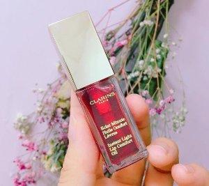 $22.1Instant Light Lip Comfort Oil @ Clarins
