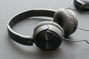 SONY MDR-ZX110NC Noise-Canceling Over-the-Ear Headphones