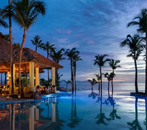 Save Up to 61% Los Cabos Sale @ Expedia.com
