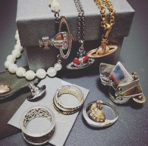 10% off + Free Shipping VIVIENNE WESTWOOD Jewelry @ Farfetch