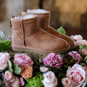 Up to 55% Off on Select UGG Boots @ The Walking Company