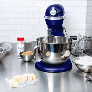Only $254.99! KitchenAid® Professional 600 Series 6-Qt. Stand Mixer Sale @ Bon-Ton