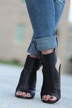 Vince 'Addie' Sandal Shoe @ Nordstrom