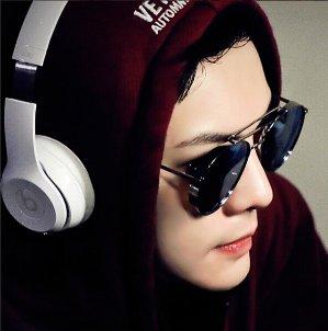 Beats by Dr. Dre Solo 2 On-Ear Wireless Headphones