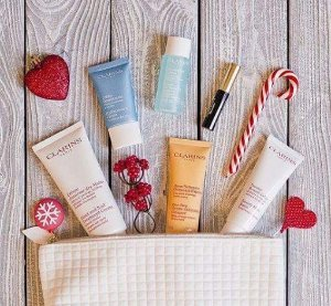 7 Free SamplesWith Any Purchase @ Clarins